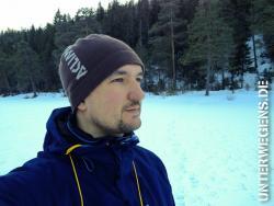 anzelten-2013-norwegen-eisangeln-winter-schnee-allak-hilleberg-eisbohrer-kalt-see-002