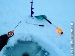 anzelten-2013-norwegen-eisangeln-winter-schnee-allak-hilleberg-eisbohrer-kalt-see-007