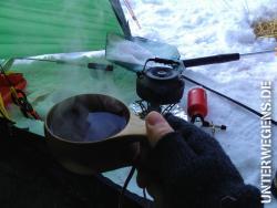 anzelten-2013-norwegen-eisangeln-winter-schnee-allak-hilleberg-eisbohrer-kalt-see-014