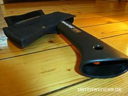 Fiskars-Axt-X5-klein-mobil-outdoor-2