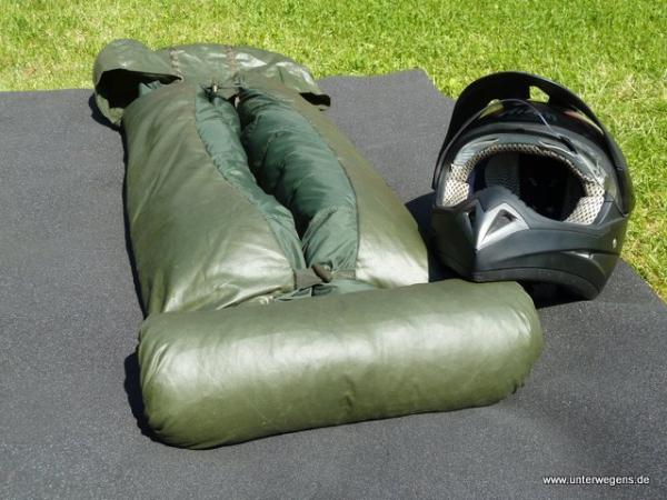 Holländischer Militär Daunenschlafsack - günstig und gut