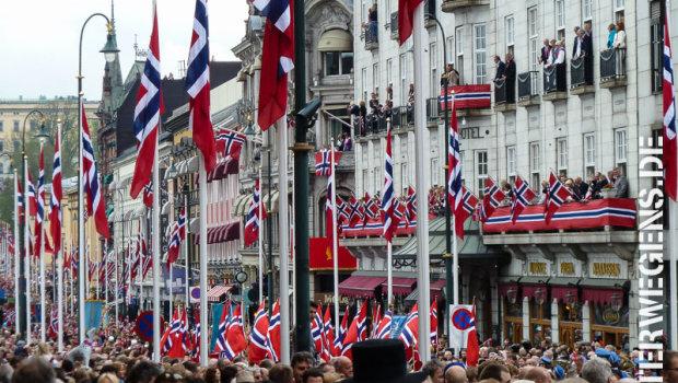 17. Mai in Norwegen - farbenfrohe Feiern überall